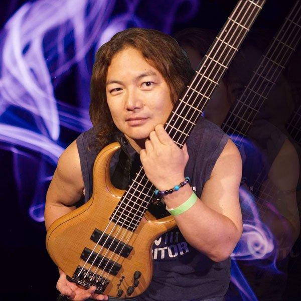 akim is Bassist